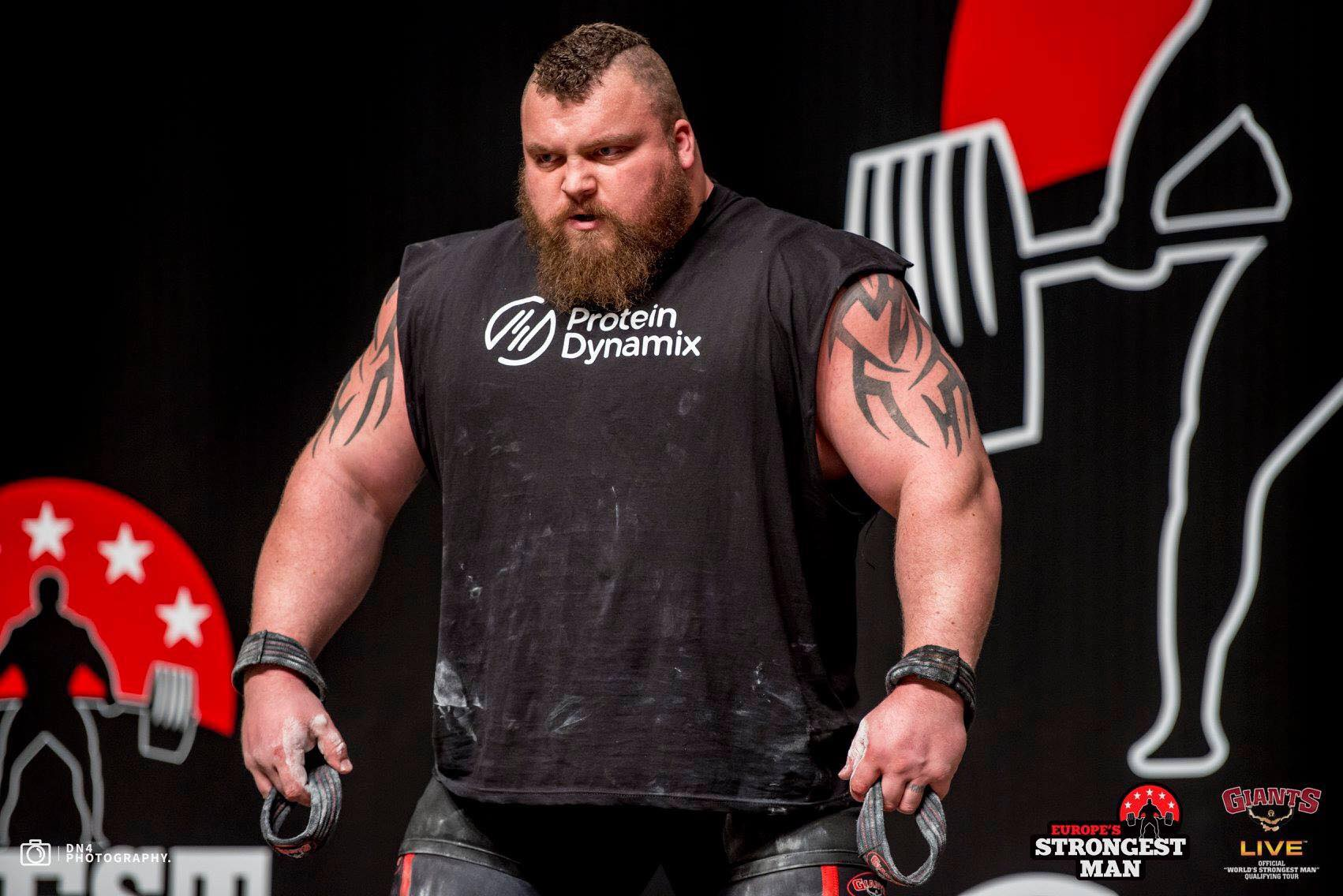 how eddie hall trained to pull the monster 500kg world. Black Bedroom Furniture Sets. Home Design Ideas