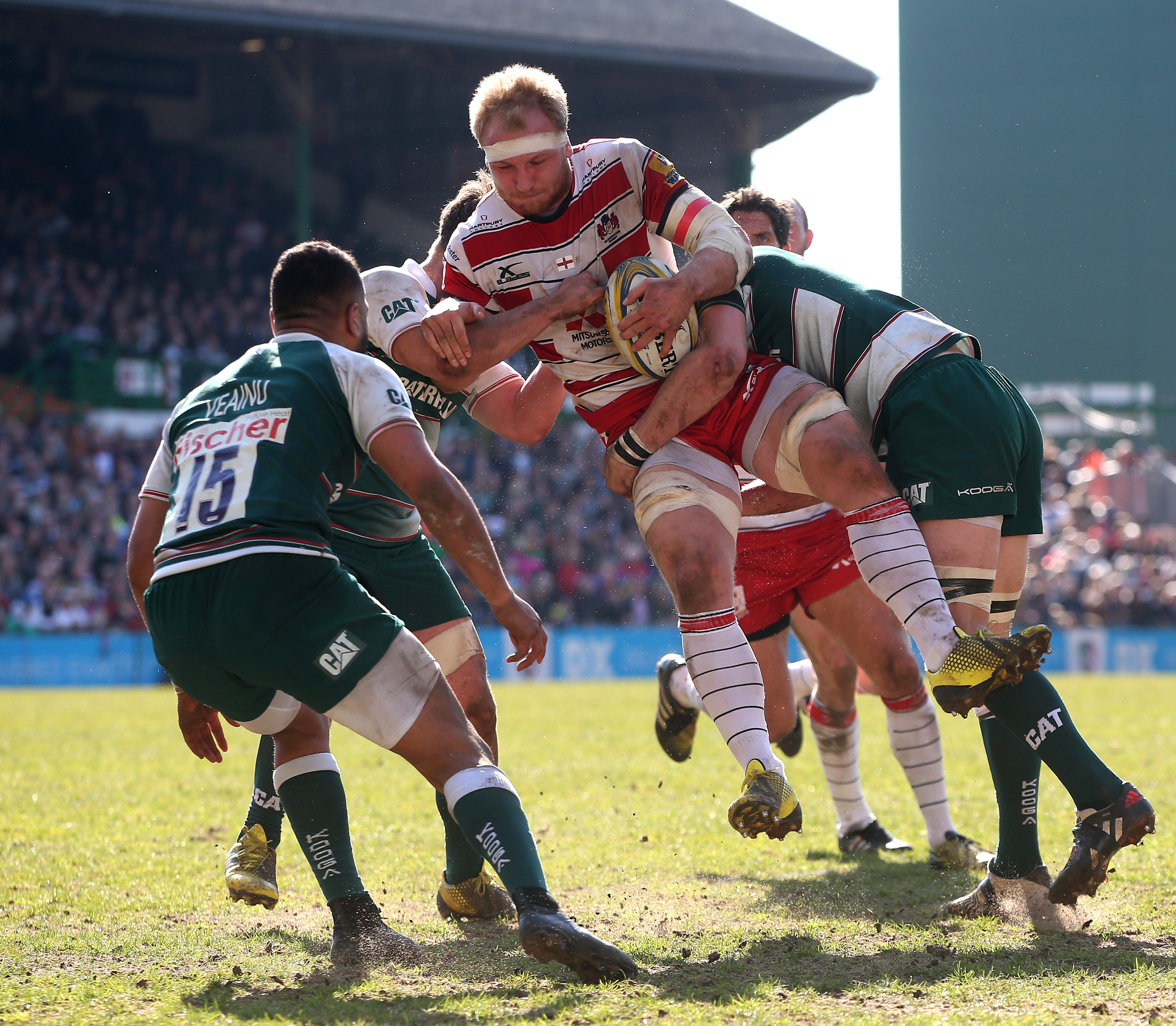 LEICESTER, ENGLAND - APRIL 02: Matt Kvesic of Gloucester is tackled during the Aviva Premiership match between Leicester Tigers and Gloucester at Welford Road on April 2, 2016 in Leicester, England. (Photo by David Rogers/Getty Images)