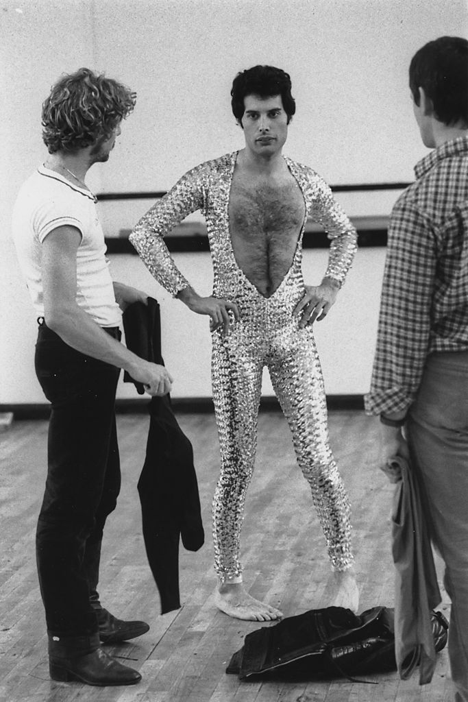 Singer Freddie Mercury (1946 - 1991) of British rock band Queen attends a ballet class in Covent Garden, London, 3rd October 1979. (Photo by Colin Davey/Evening Standard/Getty Images)