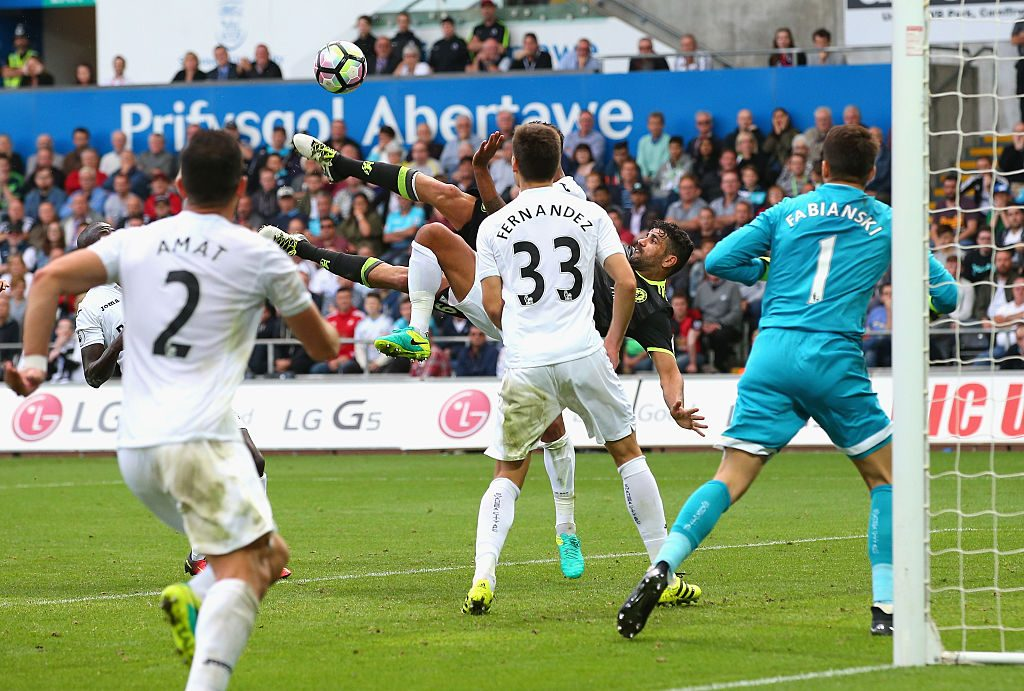 SWANSEA, WALES - SEPTEMBER 11: Diego Costa of Chelsea (2R) scores their second goal during the Premier League match between Swansea City and Chelsea at Liberty Stadium on September 11, 2016 in Swansea, Wales. (Photo by Alex Livesey/Getty Images)