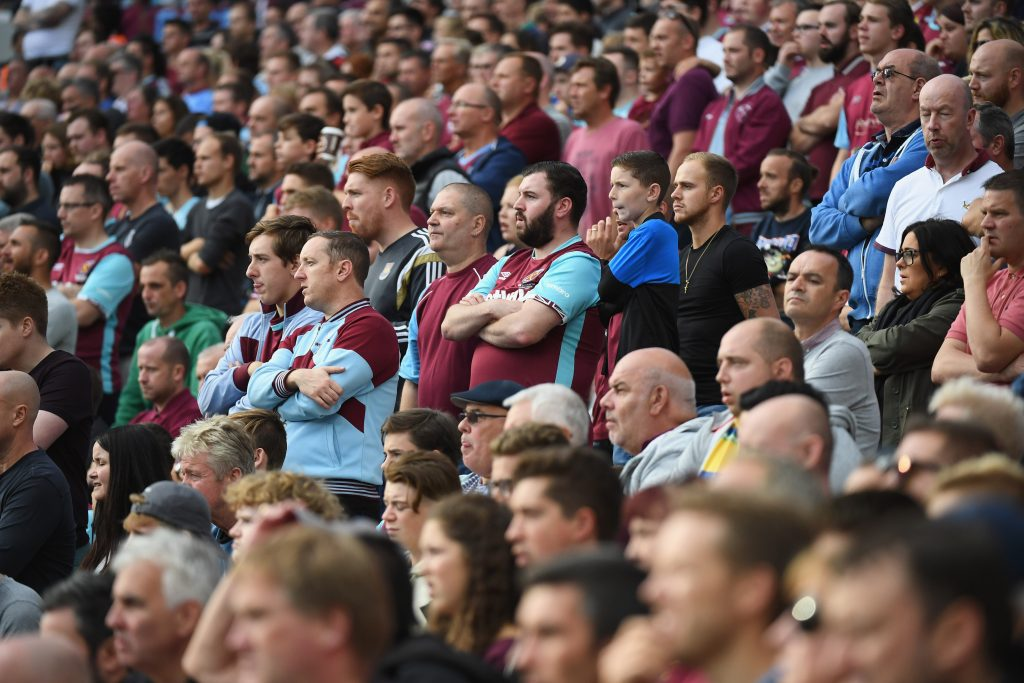 LONDON, ENGLAND - SEPTEMBER 25: West Ham fans look thoughtful during the Premier League match between West Ham United and Southampton at London Stadium on September 25, 2016 in London, England. (Photo by Mike Hewitt/Getty Images)