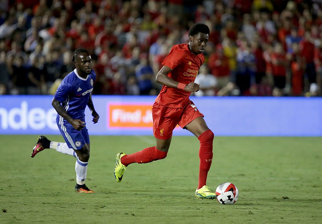 PASADENA, CA - JULY 27: Ovie Ejaria #53 of Liverpool in action against Chelsea during the 2016 International Champions Cup at Rose Bowl on July 27, 2016 in Pasadena, California. (Photo by Jeff Gross/Getty Images)