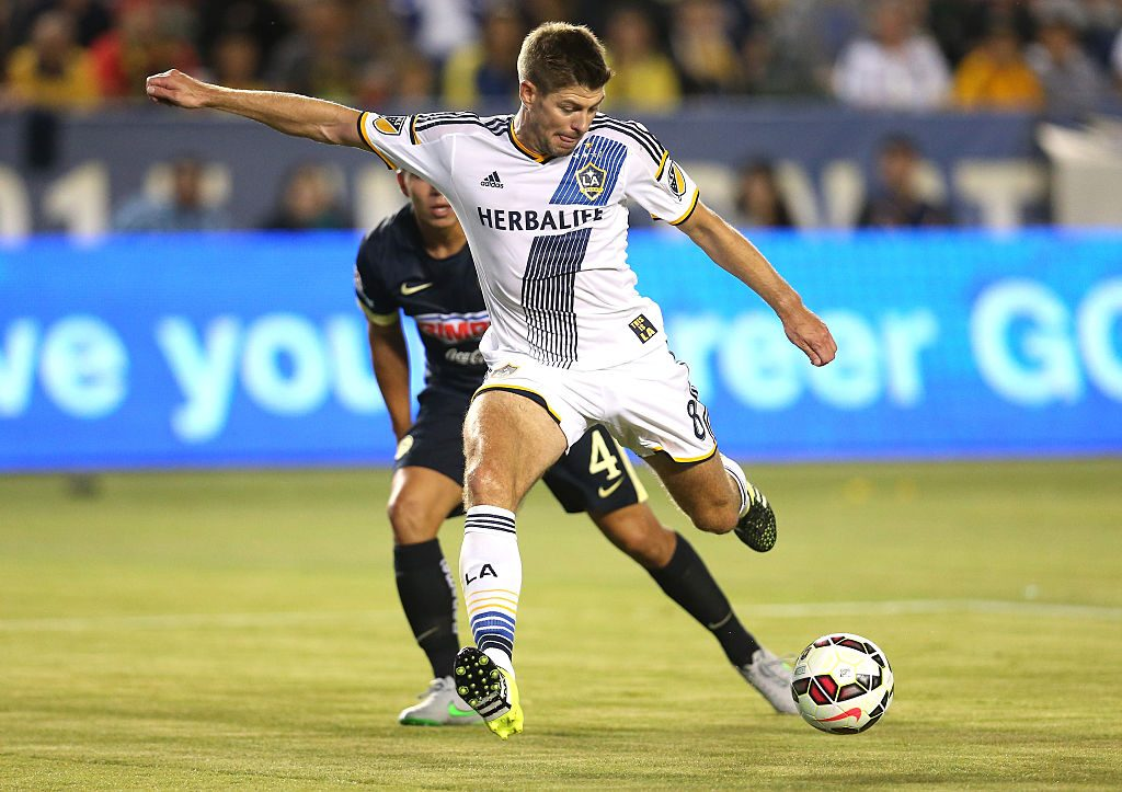 LOS ANGELES, CA - JULY 11: Steven Gerrard #8 of the Los Angeles Galaxy takes a shot on goal against Club America in the International Champions Cup 2015 at StubHub Center on July 11, 2015 in Los Angeles, California. (Photo by Stephen Dunn/Getty Images)