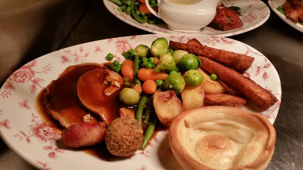 Christmas Dinner In A Can.Do Yorkshire Puddings Belong In A Christmas Dinner Joe Co Uk