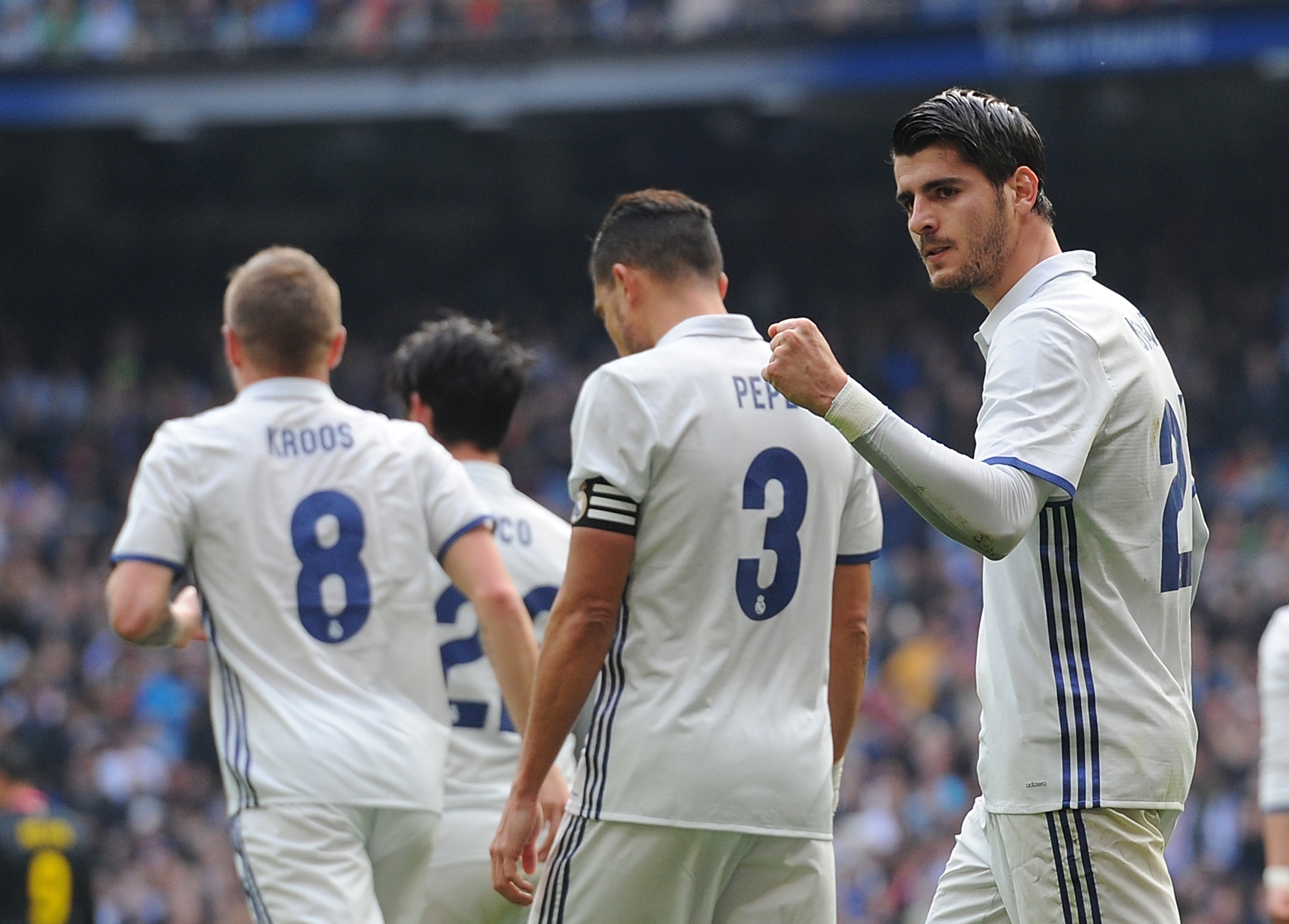 Real Madrid want a staggering amount from Manchester United for