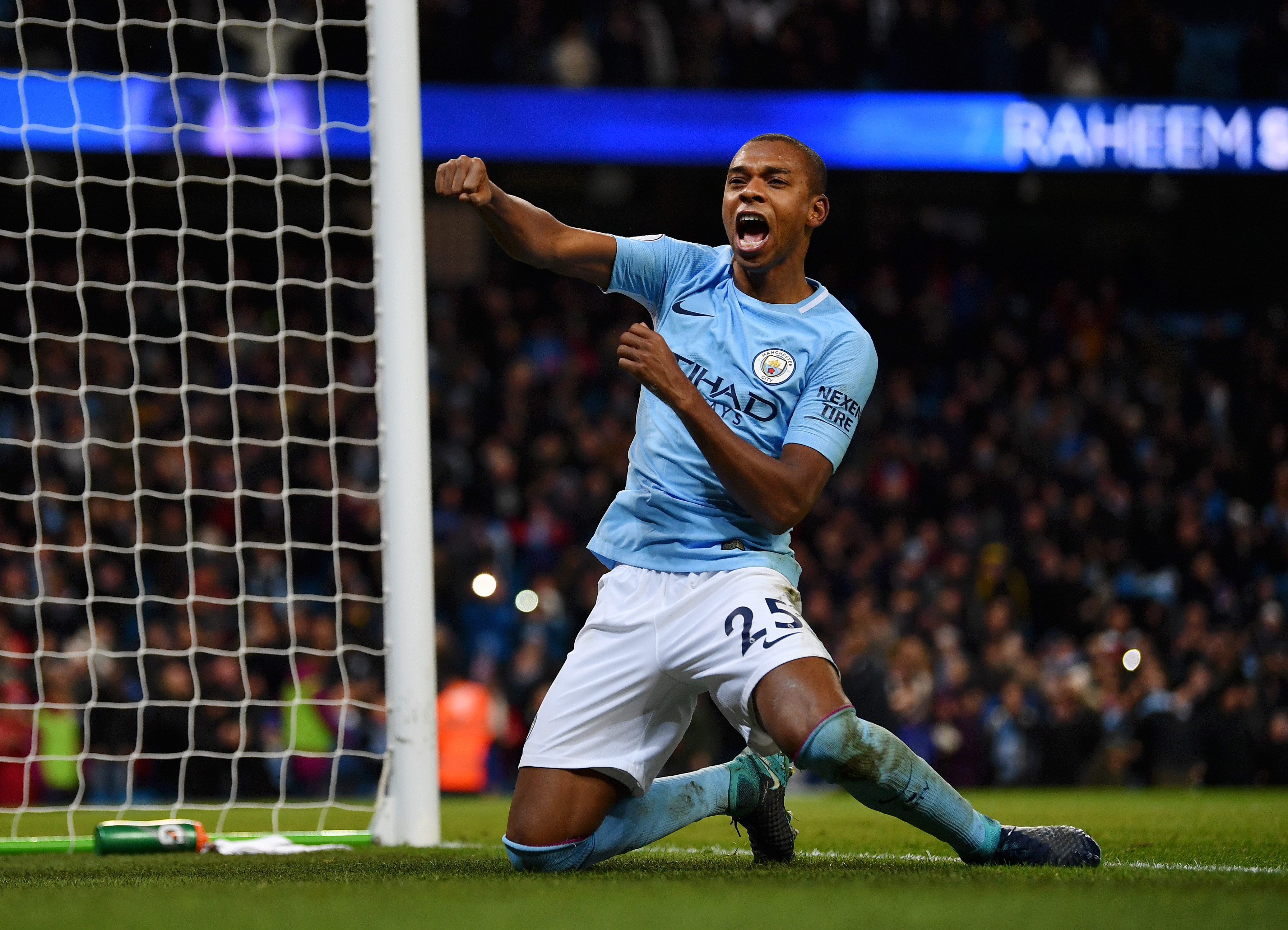 Manchester City midfielder Fernandinho signs two-year contract extension