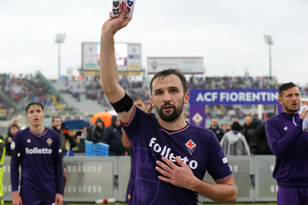 Poignant Scenes As Fiorentina Pay Touching Tribute To Davide Astori