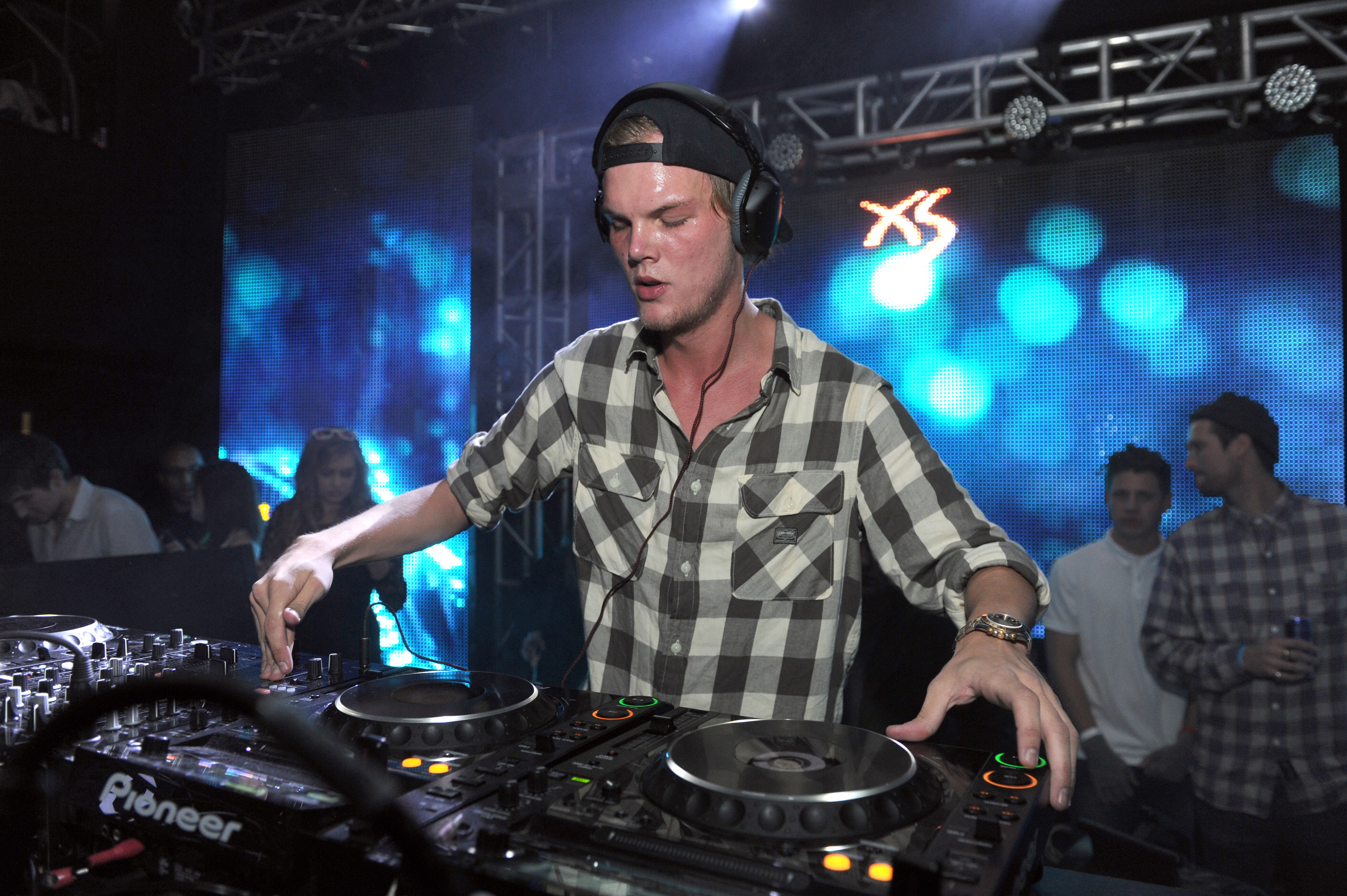 Avicii's family thanks fans and artists for support