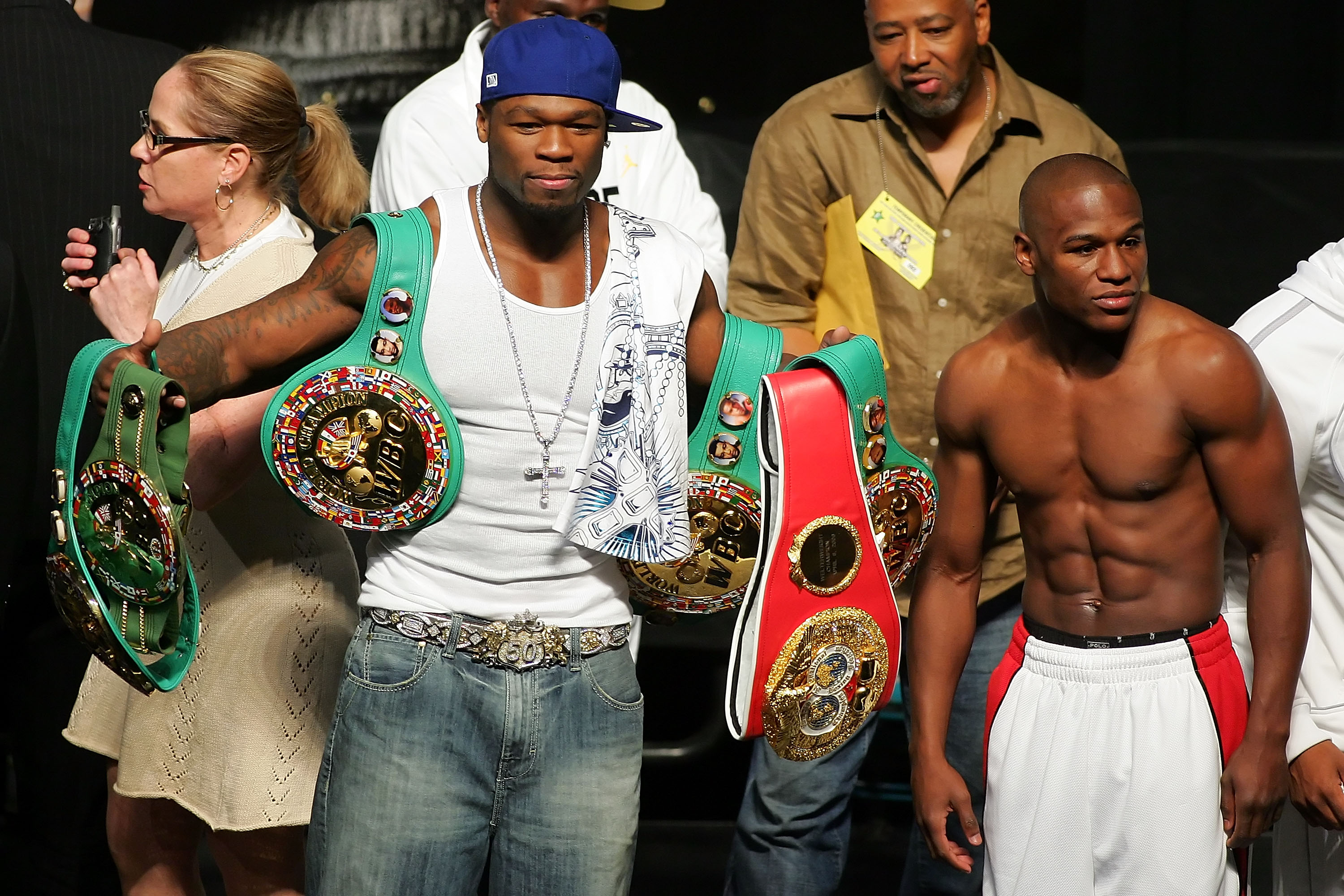 50 Cent gets absolutely destroyed by Floyd Mayweather in