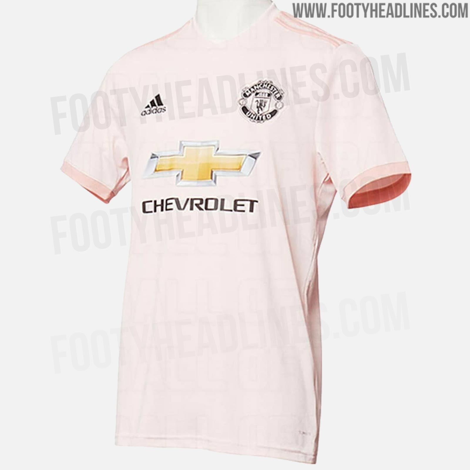 low priced 21a39 d7a94 Images leaked of Manchester United's new pink away shirt ...