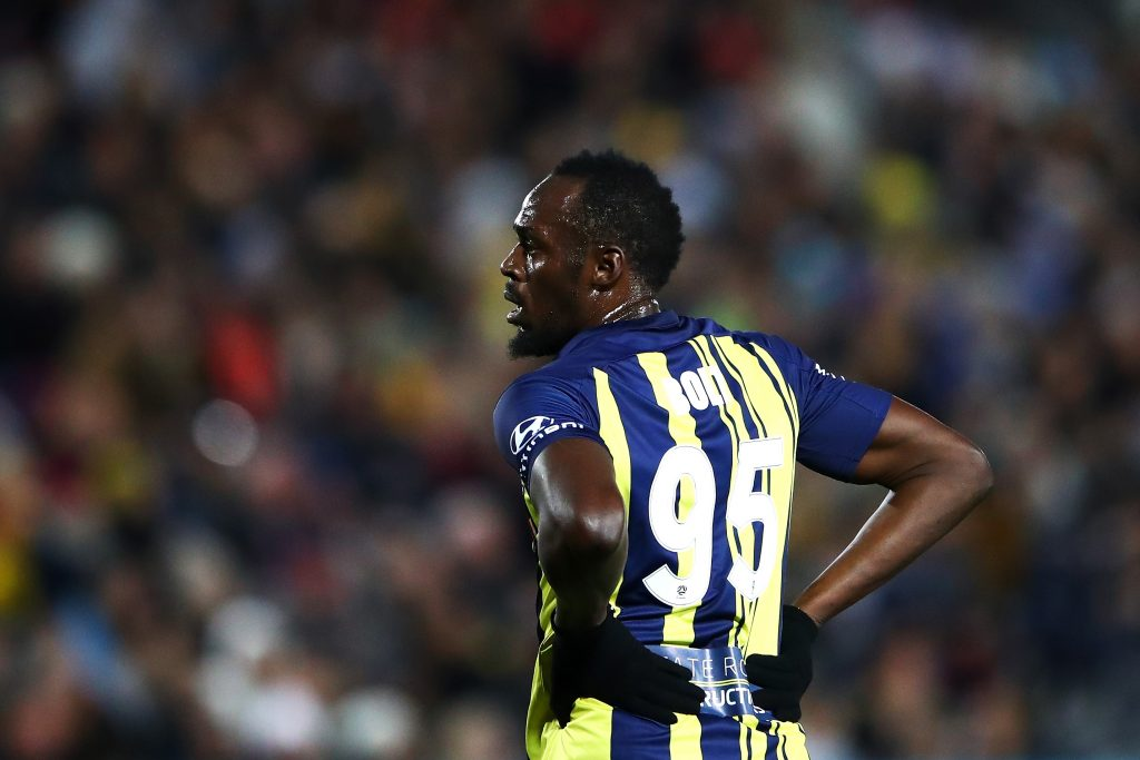 Usain Bolt attracts large crowd in debut for Australian football club