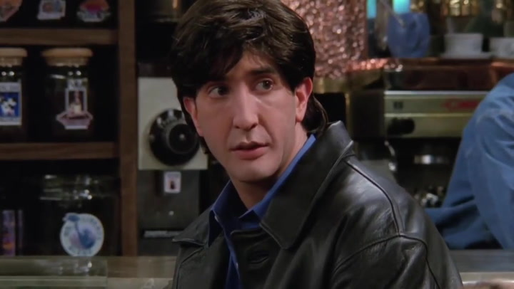 Police searching for suspected beer thief who looks like Ross from 'Friends'