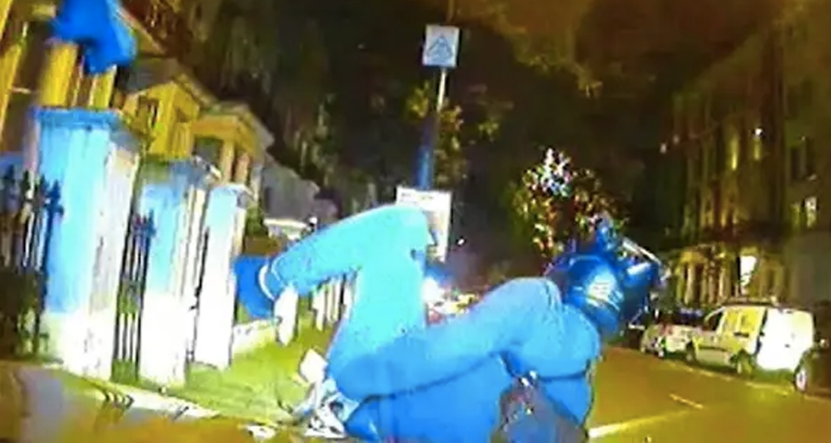 Dashcam footage shows Met Police ramming moped gangs off their bikes