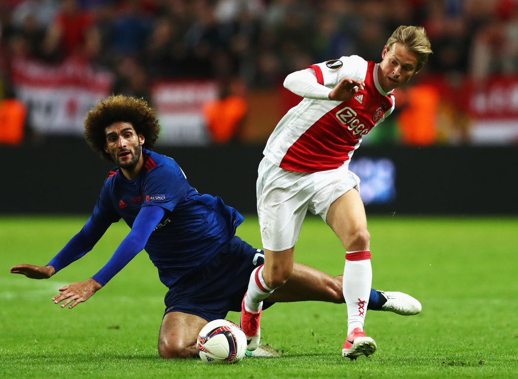 PSG to snatch Ajax star De Jong from Man City