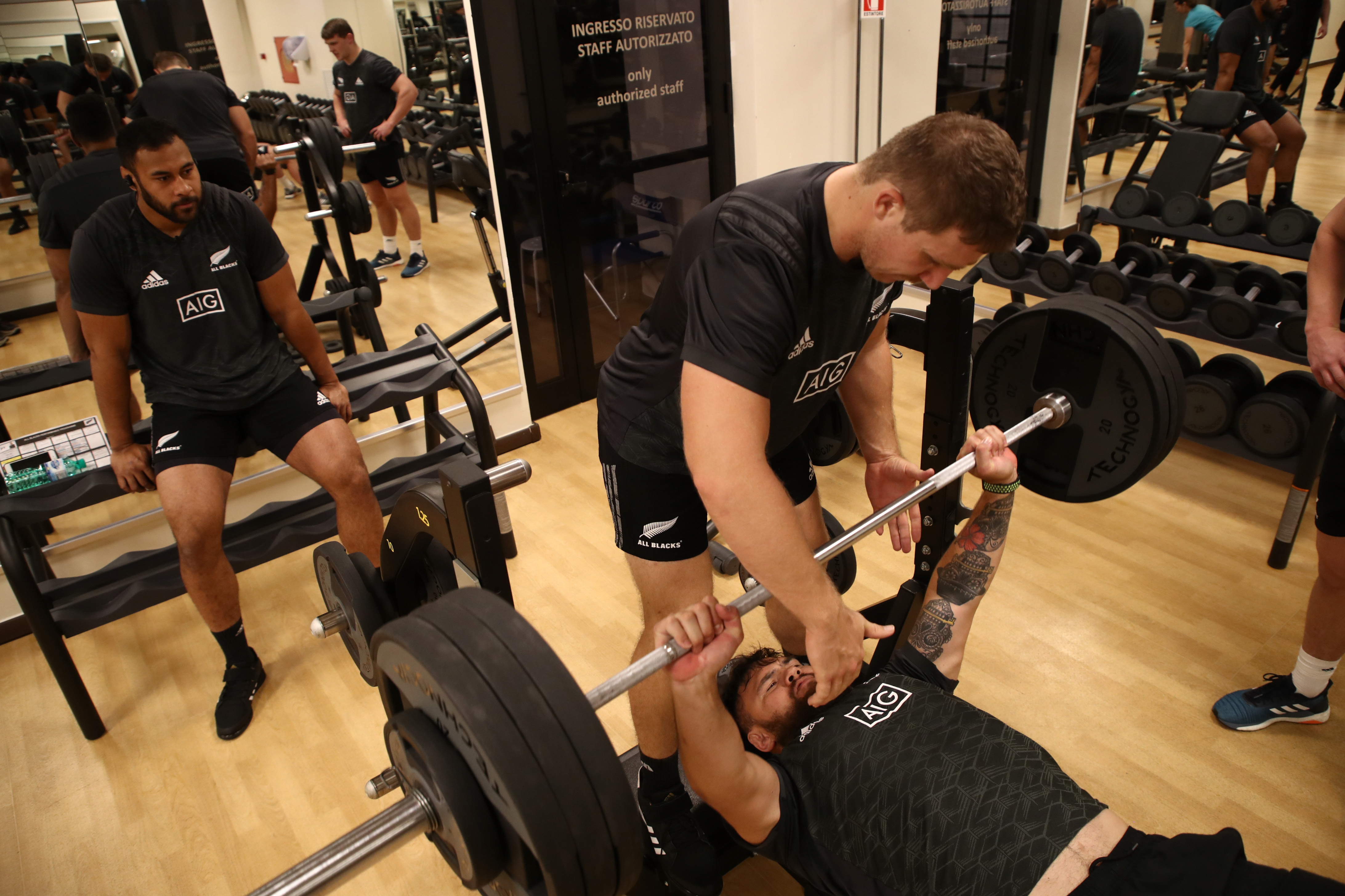 Three Of The Best Gym Alternatives To The Bench Press Squat And Deadlift Joe Co Uk