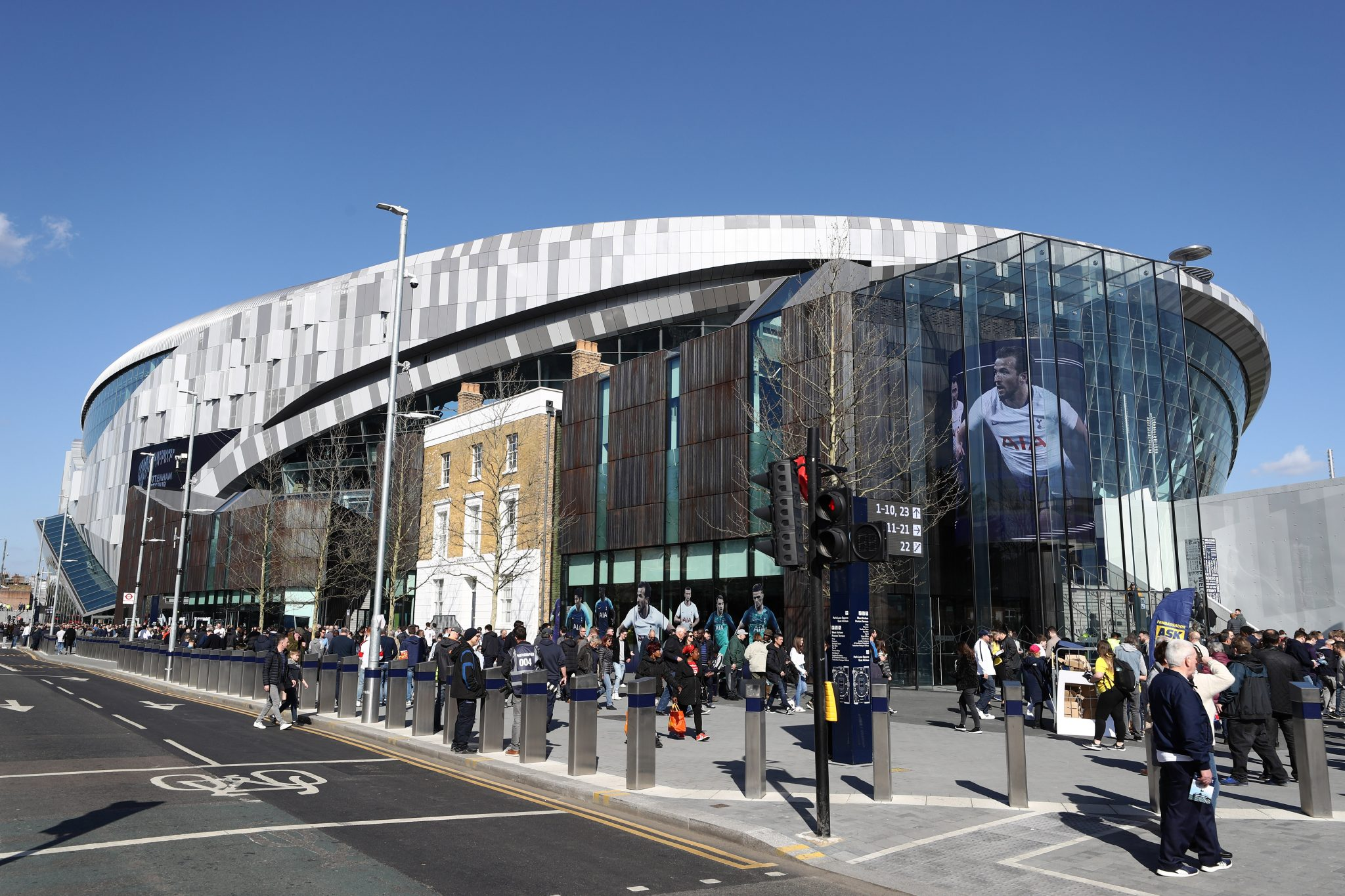 Tottenham opens new stadium with win over Crystal Palace