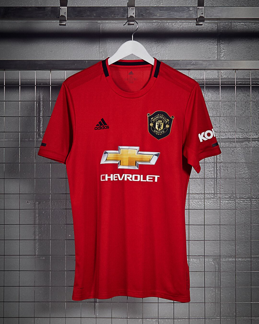 buy online e139b 81bbe New Manchester United 19/20 home shirt celebrating treble ...