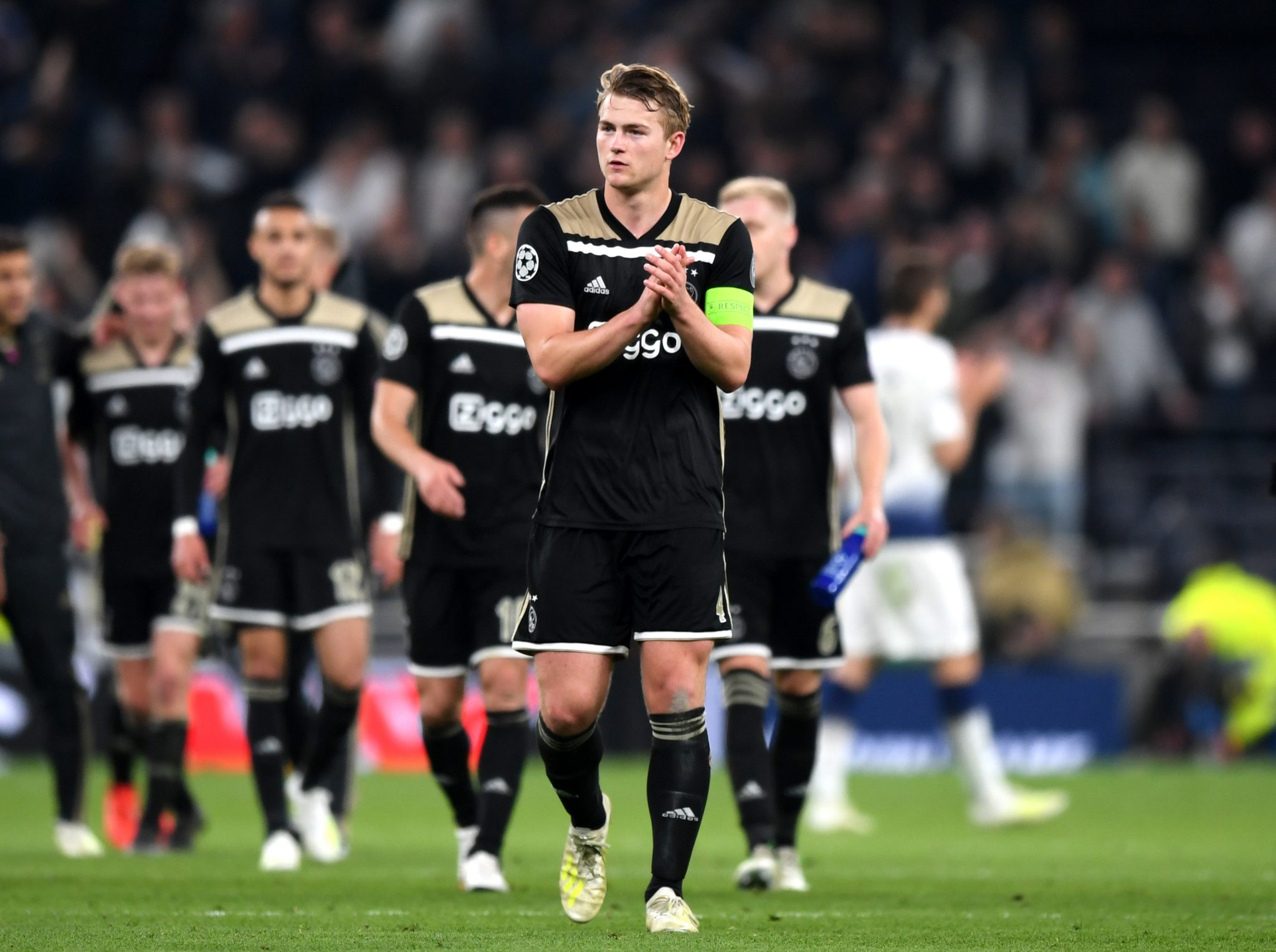 Transfer: Manchester United make promise to Matthijs de Ligt