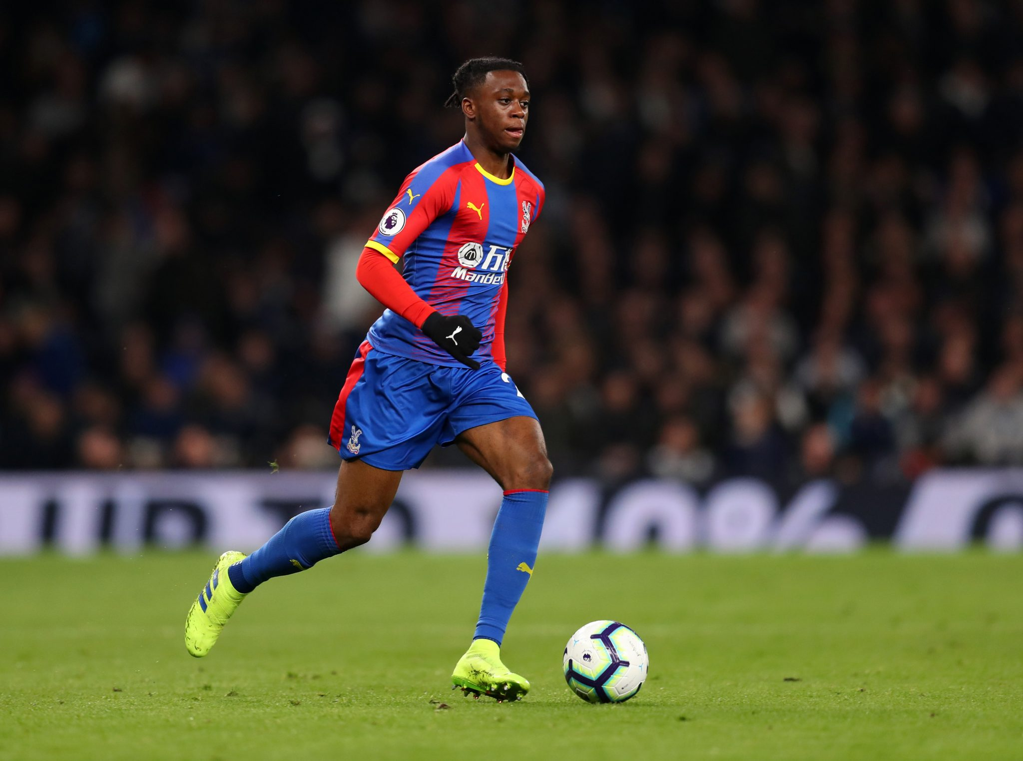Manchester United 'make substantial bid for Crystal Palace defender Aaron Wan-Bissaka'