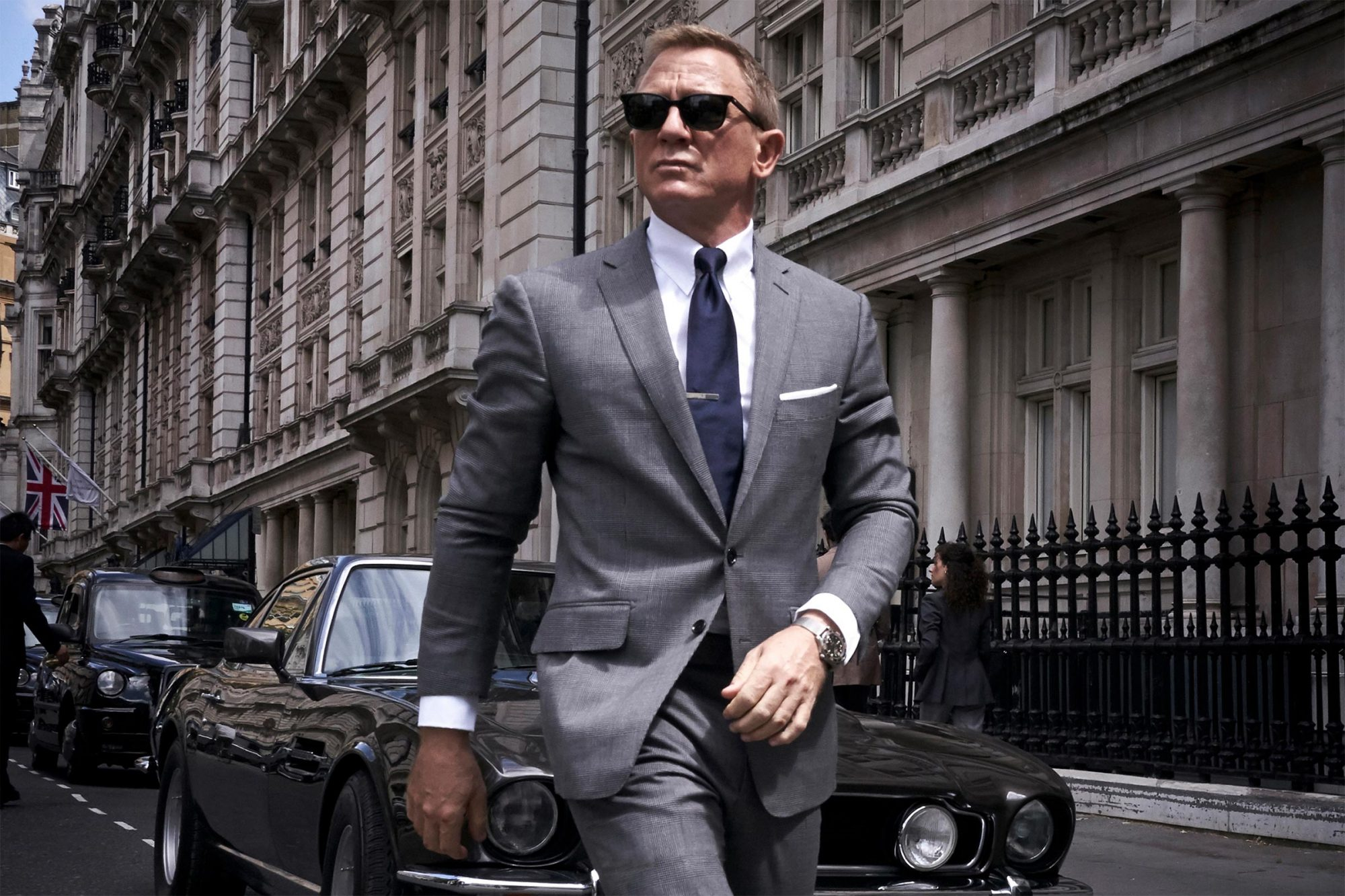 Daniel Craig thinks there should be better roles for women